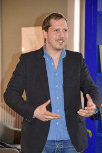 Winnaar van de ledenprijs, Lodewijk Heylen, licht zijn werk toe